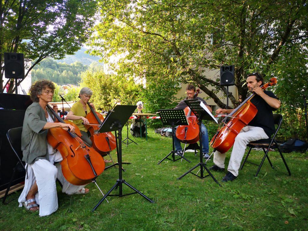 Quatuor de violoncelles Fête de la musique 2020 : de g à d : Fabienne - Florence- Robert- Jean Yves